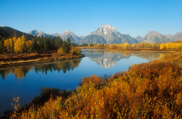 Oxbow Bend & Teton Mountain range in autumn. Grand Teton National Park. USA.
